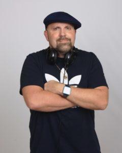 Robert, DJ/MC, Amplify